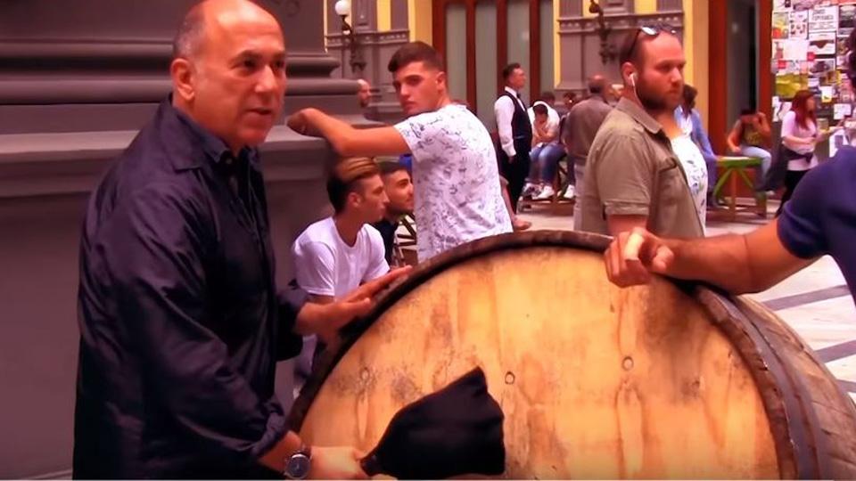 Napoli'nin Sırrı Orijinal kamera arkası
